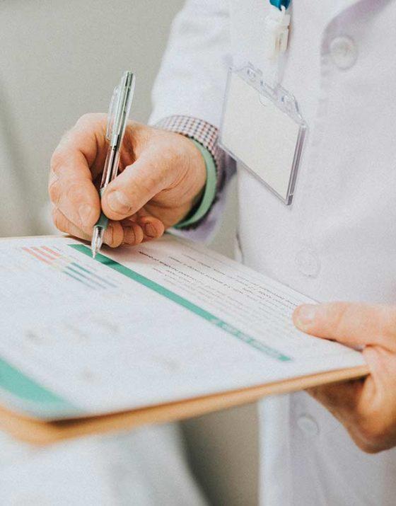 Le corps médical a largement réagi pour répondre aux les cas d'obésité en france .